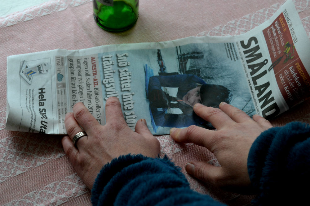 Krukor av tidningspapper, Paper seedling pots.